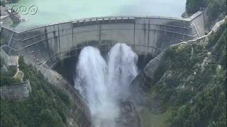 サムネイル画像:夏の黒部ダム